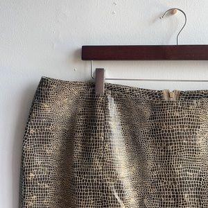 Leather Skirt Snakeskin Patterned Sz 22 Danier